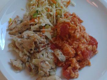 Hähnchengyros mit Reisnudeln und Krautsalat