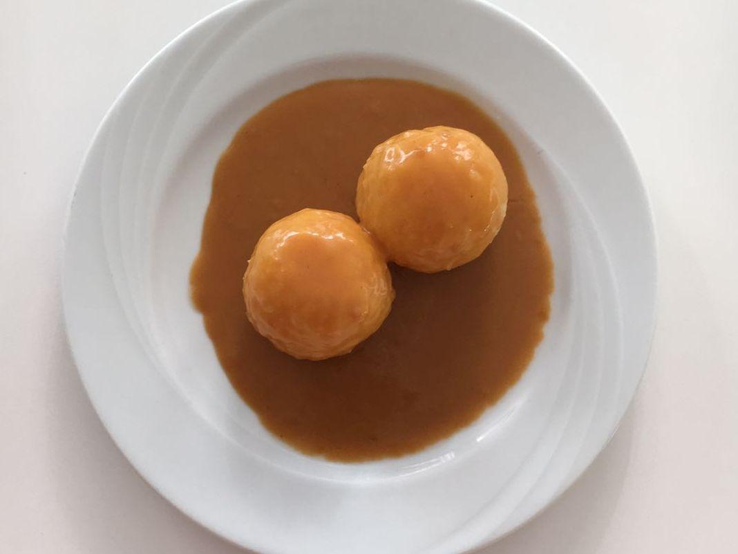 Kartoffelkloß mit Bratensoße