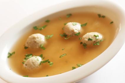 Geflügelklößchensuppe