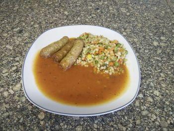 Ebly- Gemüsepfanne mit Tomatensoße und Hackröllchen