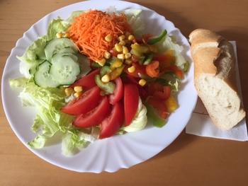 Salatteller - Putenspieß