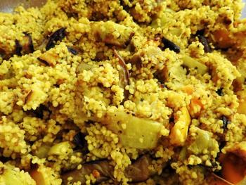 Couscous-Gemüse mit Tagessalat und Tagessuppe