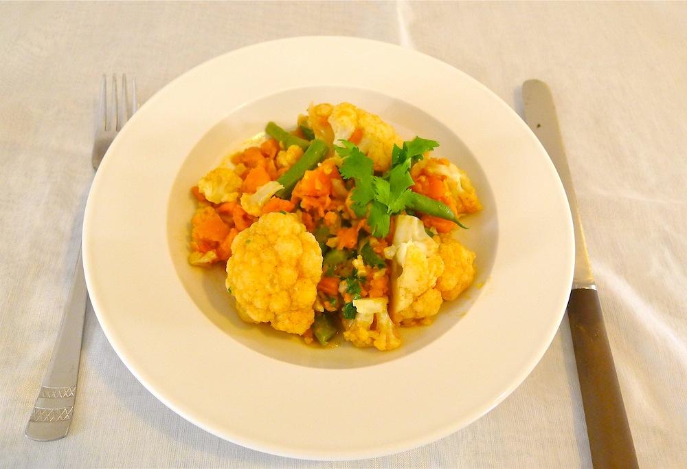 Blumenkohl-Süßkartoffel-Pfanne mit Ingwer