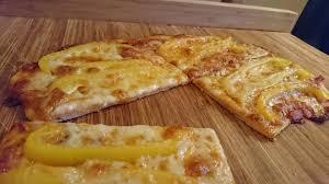 """Pizza """"Menseria"""" - mit Gemüse belegt"""