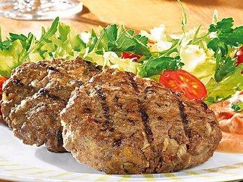 Rinderhacksteak mit Rahmkohlrabi und Kartoffeln